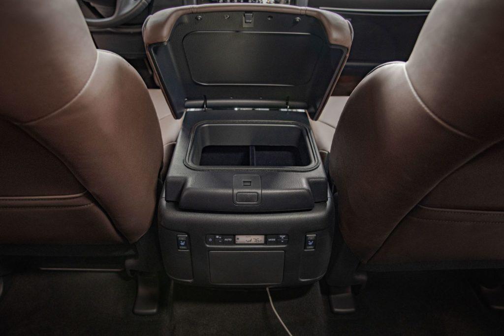 2021 Nissan Armada 28