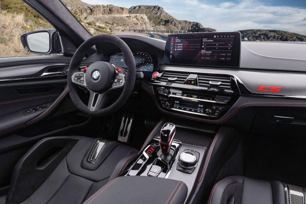 2022 BMW M5 CS Sedan 26