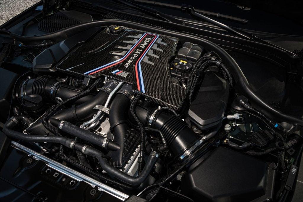 2022 BMW M5 CS Sedan 32