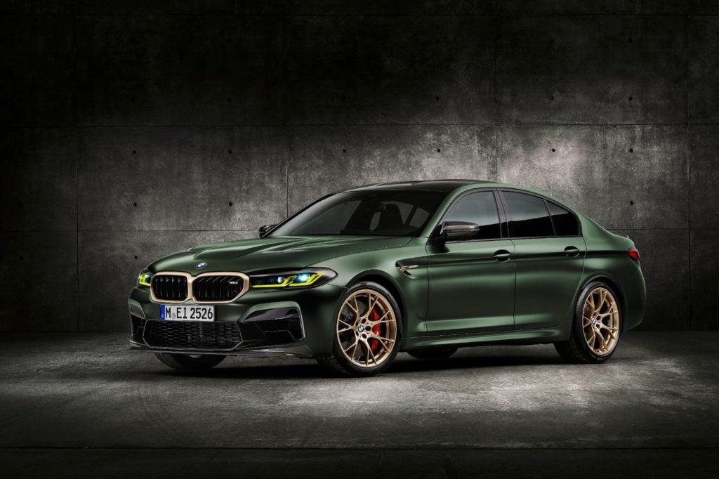 2022 BMW M5 CS Sedan 33