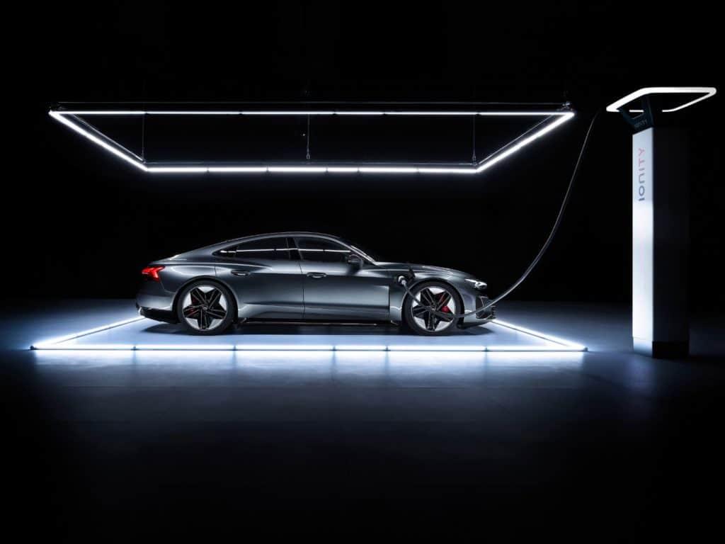 2022 Audi e tron GT 9