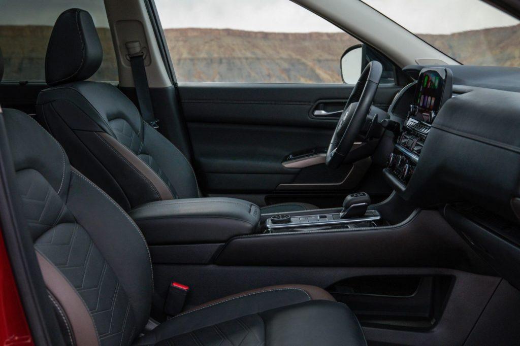2022 Nissan Pathfinder 24