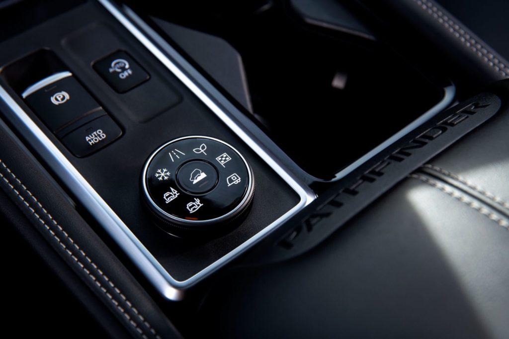 2022 Nissan Pathfinder 4