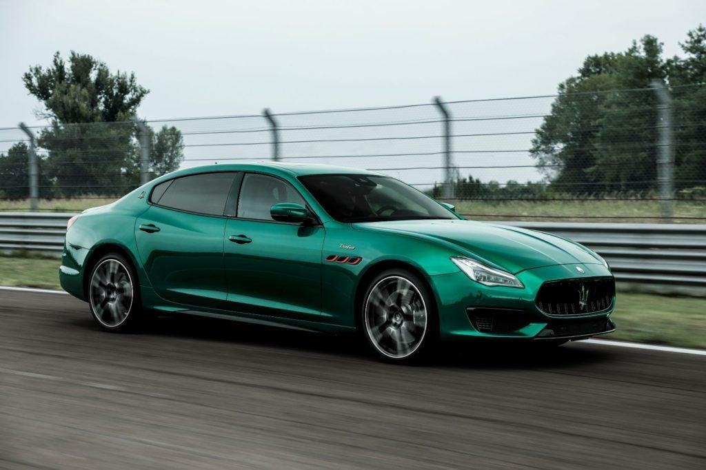 2021 Maserati Quattroporte Trofeo.