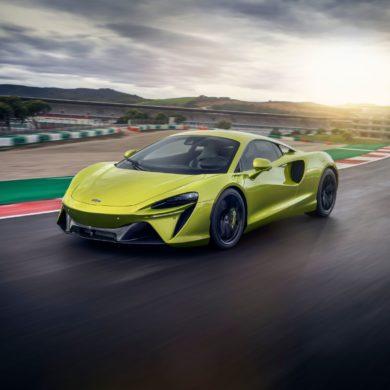 McLaren Artura 22