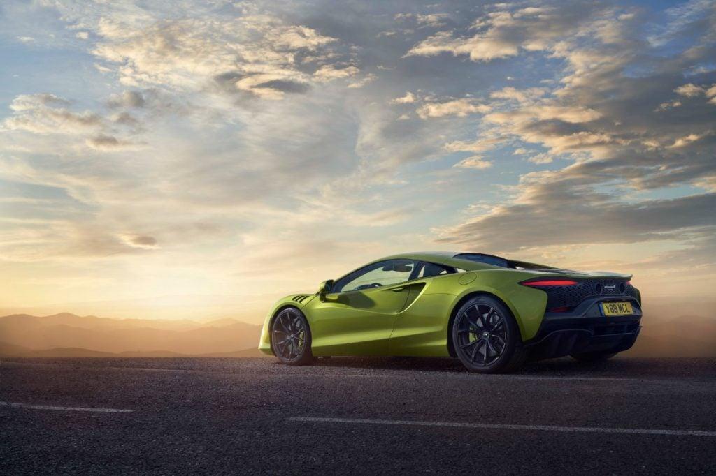 McLaren Artura.