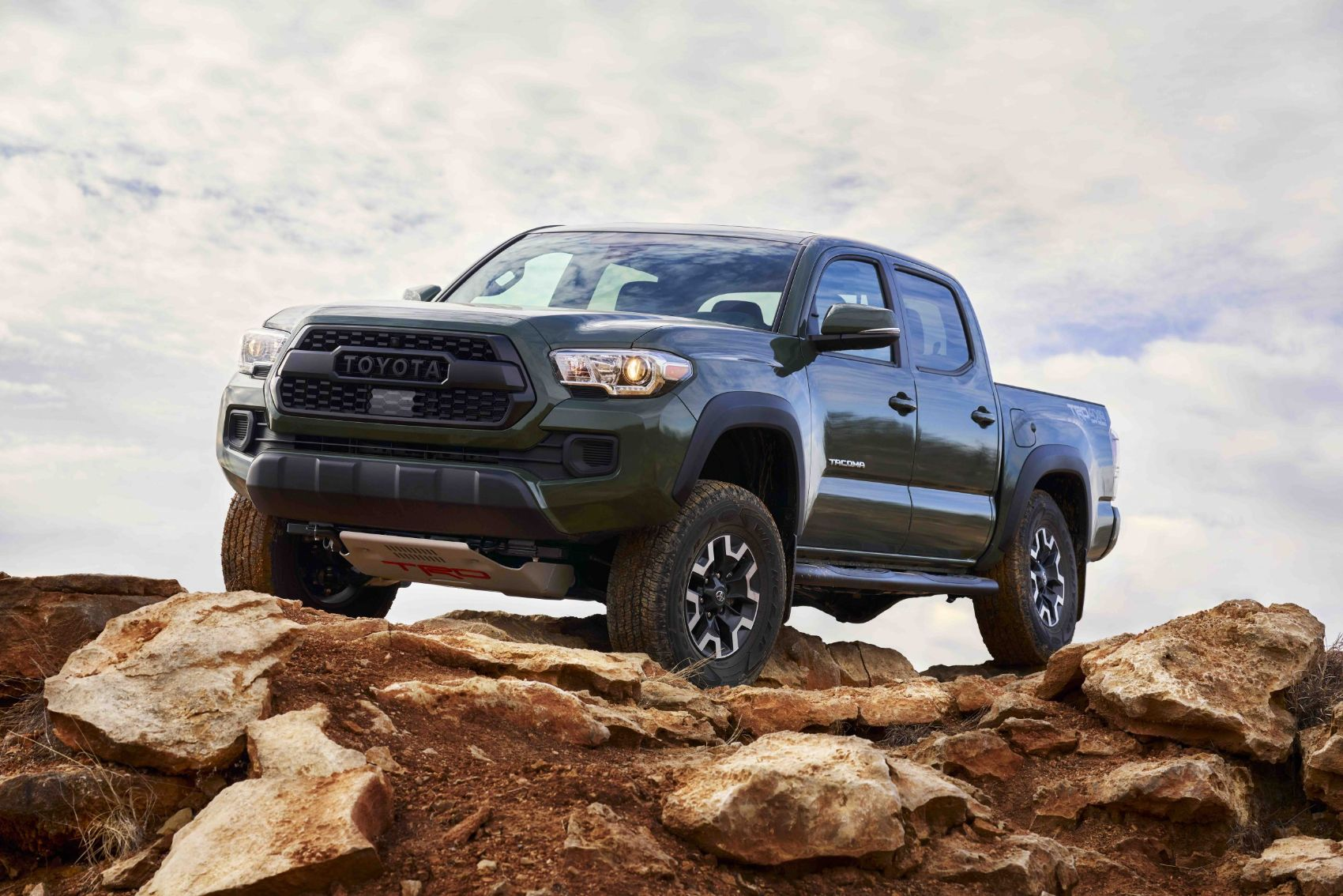 Toyota Tacoma TRD Lift Kit Debuts With New Bilstein Shocks & Cast-Iron Spacers