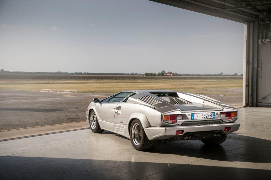 Lamborghini Countach 17
