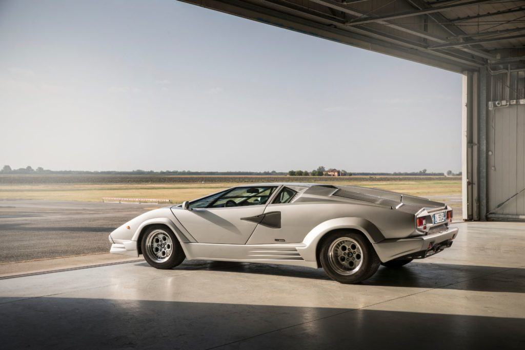 Lamborghini Countach 20