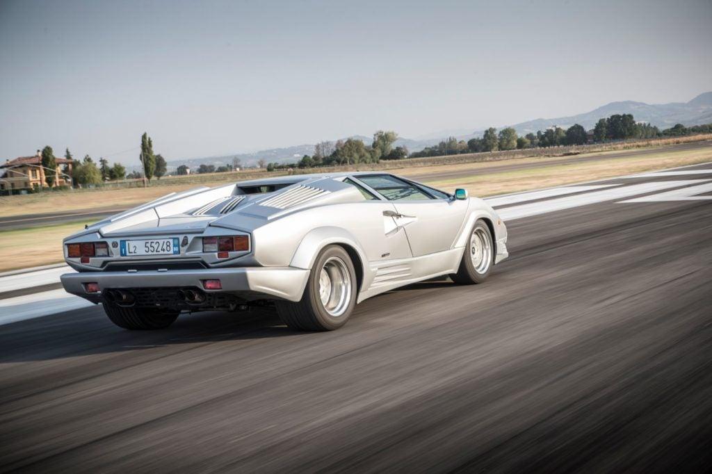Lamborghini Countach 21