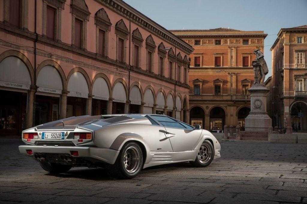 Lamborghini Countach 25