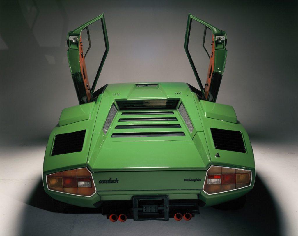 Lamborghini Countach 5