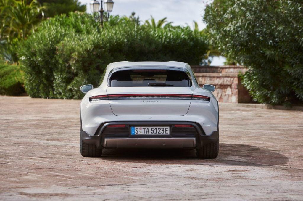 Porsche Taycan Cross Turismo 5