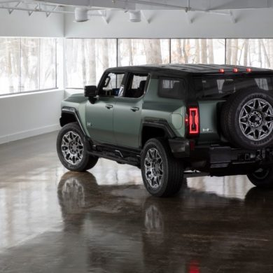 2024 GMC Hummer EV SUV 22