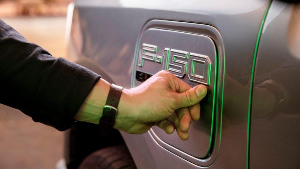 2022 Ford F 150 Lightning 6