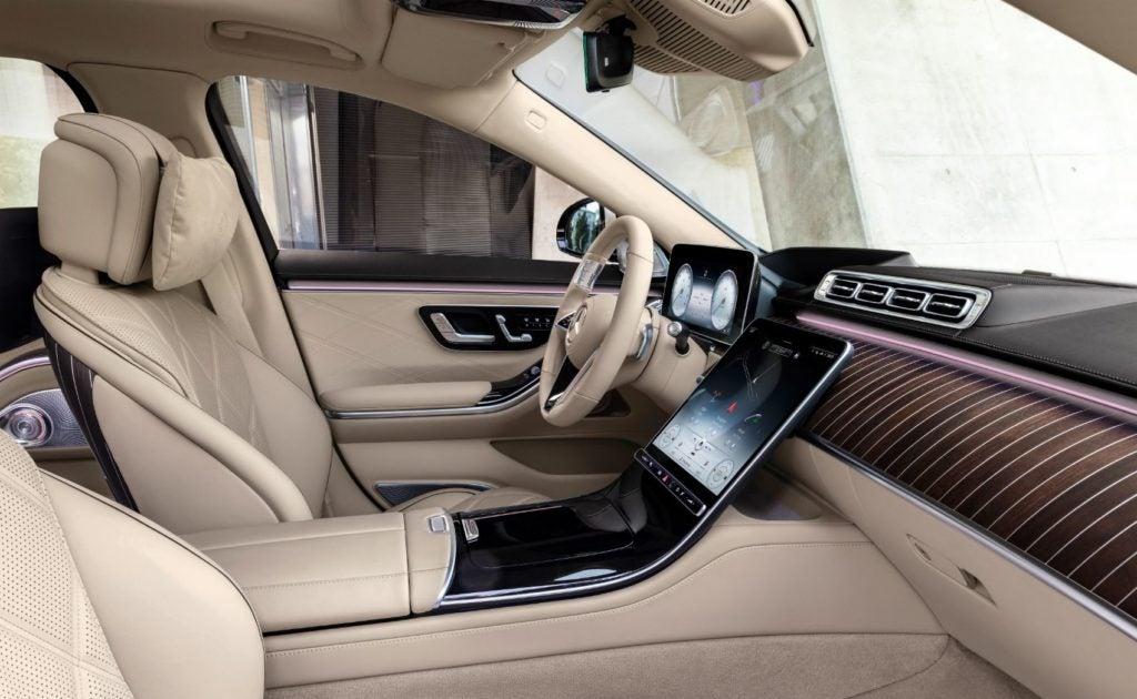 2022 Mercedes Maybach S 680 4MATIC Sedan 2