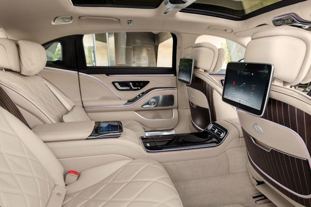 2022 Mercedes Maybach S 680 4MATIC Sedan 3