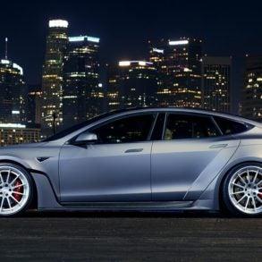 Tesla Model S Omaze 4
