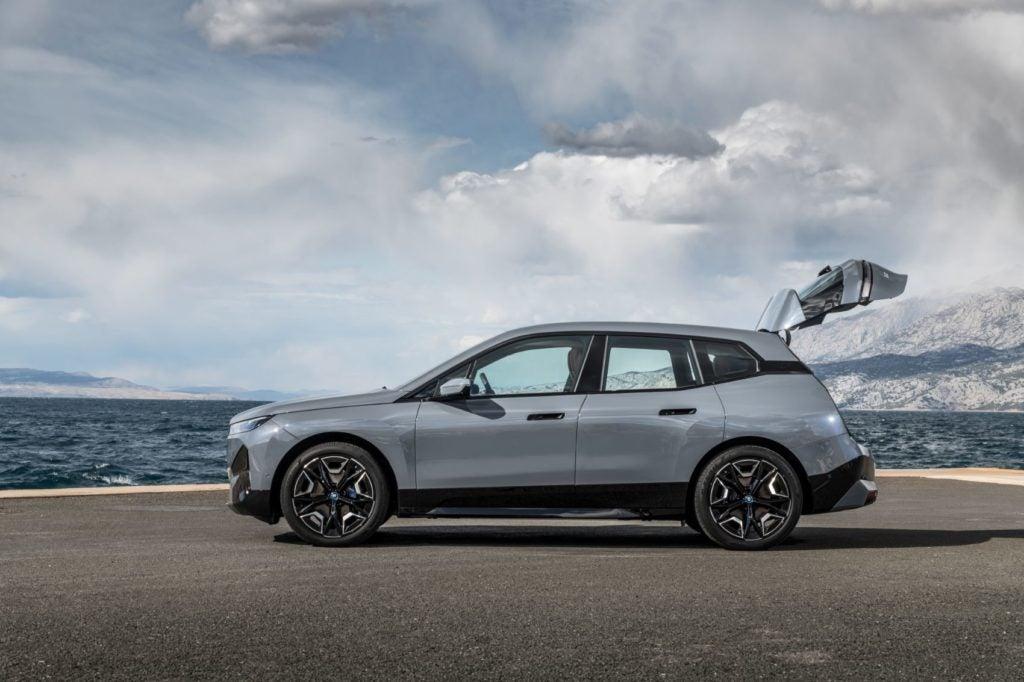 2022 BMW iX xDrive50 19