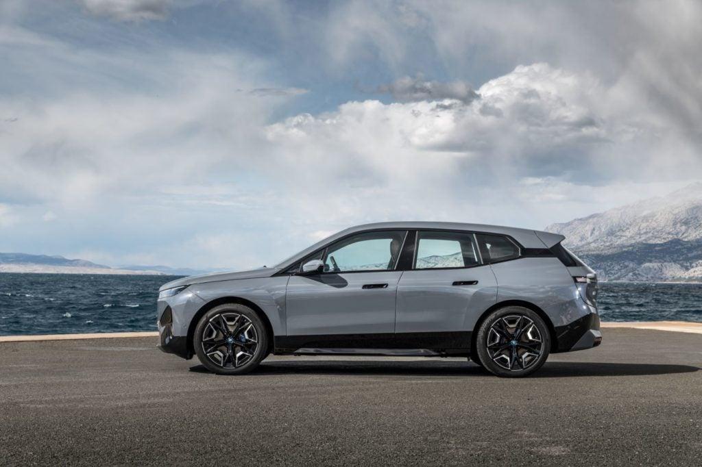 2022 BMW iX xDrive50 21