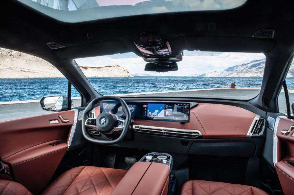 2022 BMW iX xDrive50 interior layout.