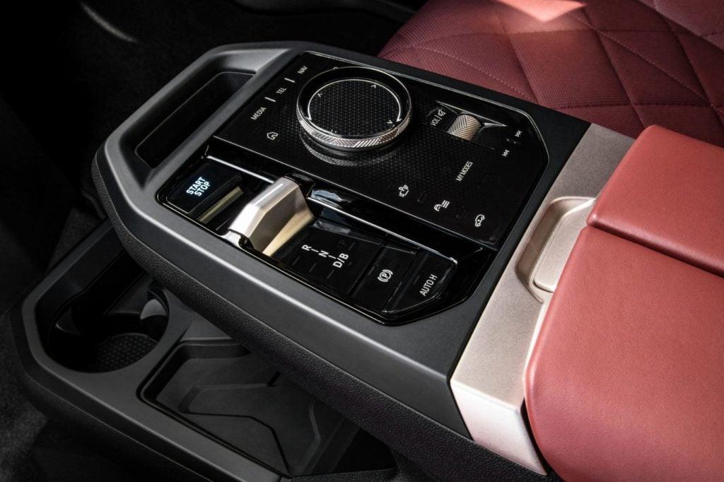 2022 BMW iX xDrive50 31