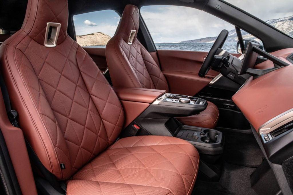 2022 BMW iX xDrive50 32