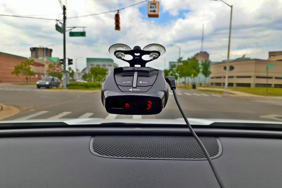 Cobra RAD 380 Review: How Well Does This Affordable Radar Detector Work?