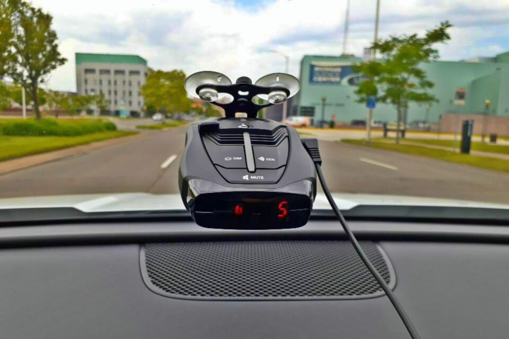 Cobra RAD 380 (Alerting a WSU campus police vehicle)