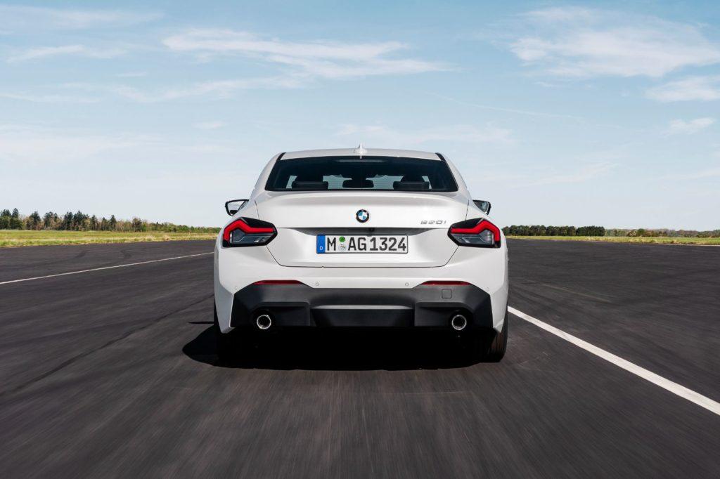 BMW 220i Coupe 21