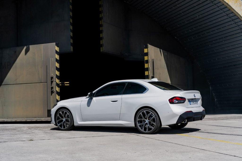 BMW 220i Coupe 9