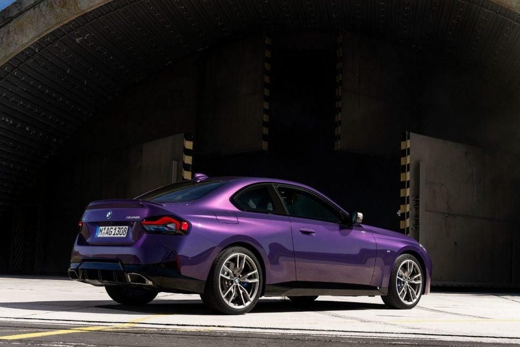 BMW M240i xDrive Coupe 2