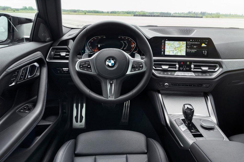 BMW M240i xDrive Coupe 38
