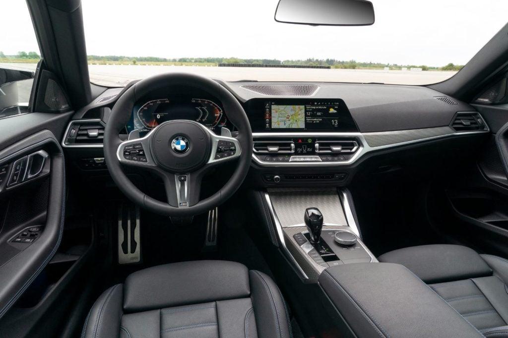 BMW M240i xDrive Coupe 39