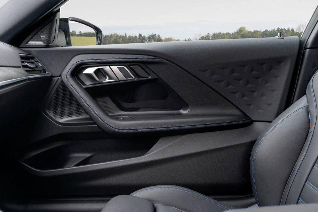 BMW M240i xDrive Coupe 41