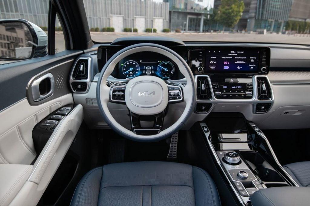 2022 Kia Sorento PHEV interior layout.