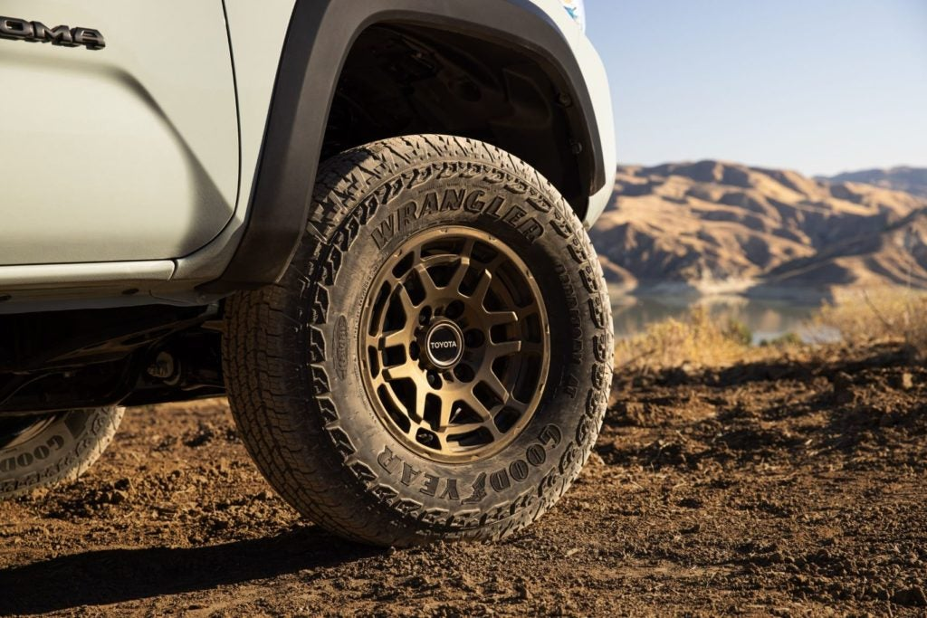 2022 Toyota Tacoma Trail Edition 2
