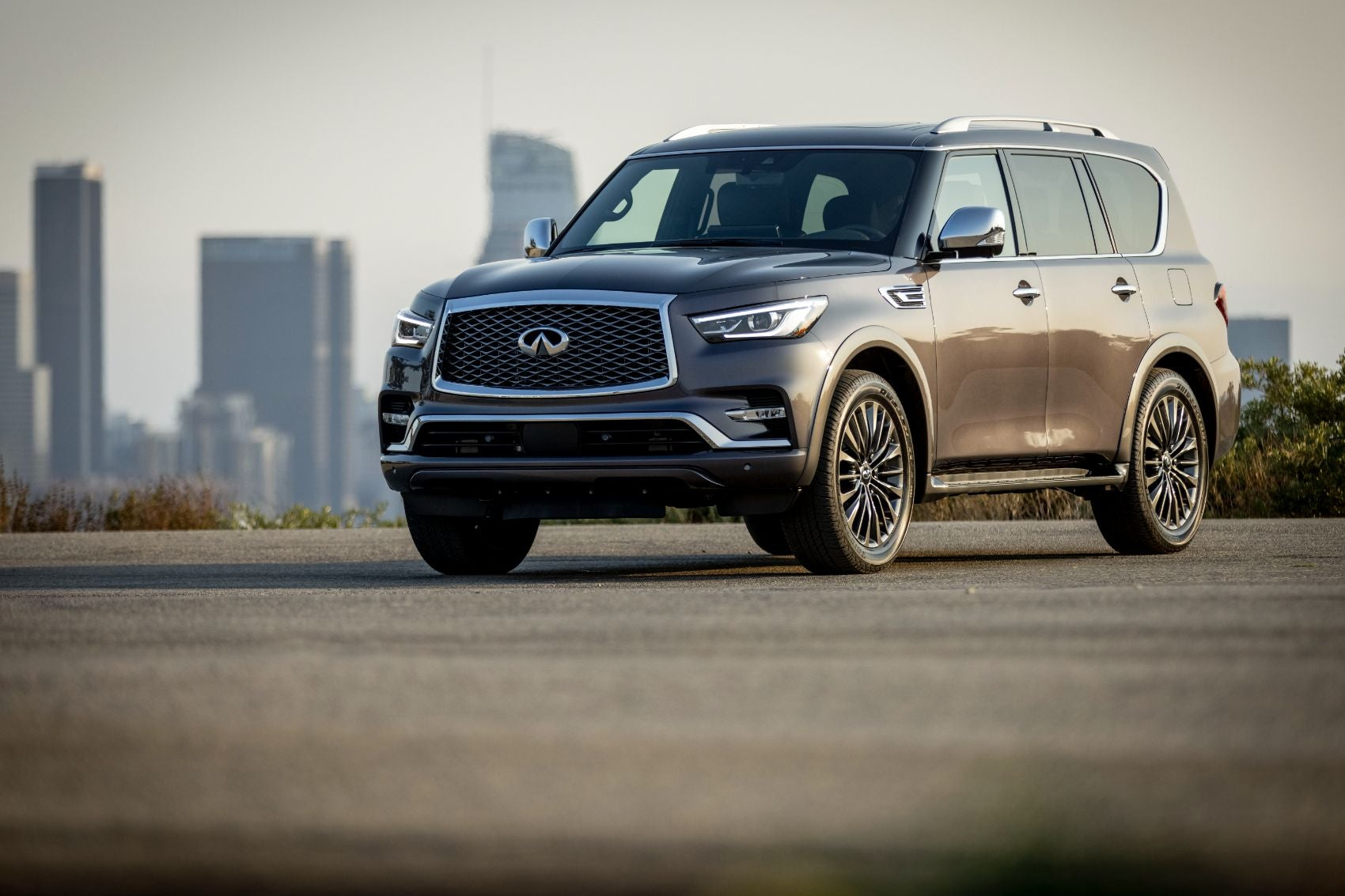 2022 Infiniti QX80 Overview: Cargo Space, Tech & Safety Features, Pricing & More